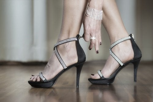 Hoge hakken veroorzaken pijn in de voeten