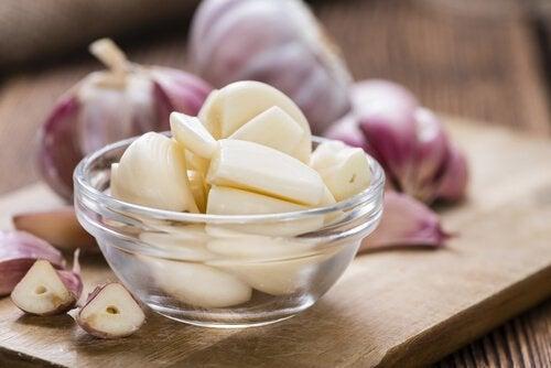 verwijder cholesterol met knoflook