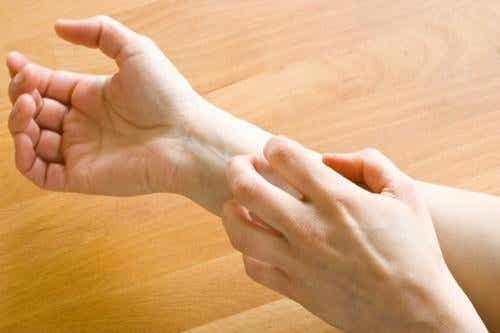 Wat betekent een jeukende huid?