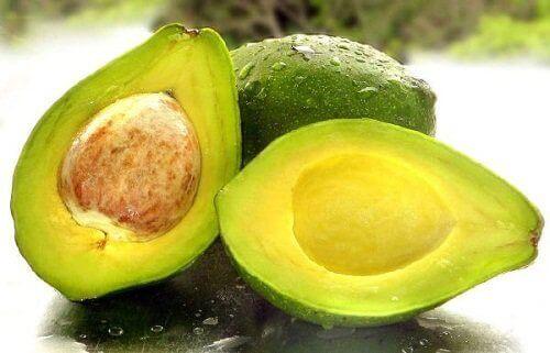 Avocado met pit