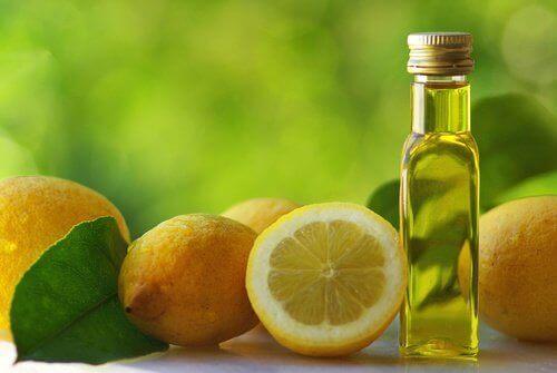 Olijfolie met citroen tegen constipatie