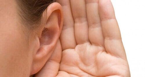 Tinnitus: oorzaken en behandelingen