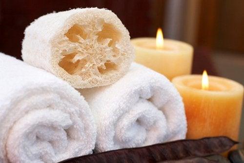 Wees voorzichtig met sponsjes onder de douche