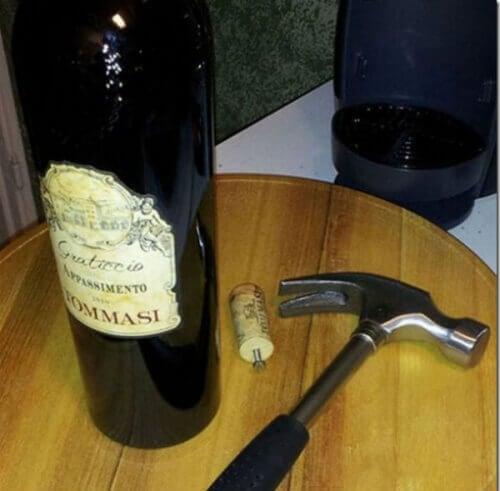 Wijnfles Ontkurken