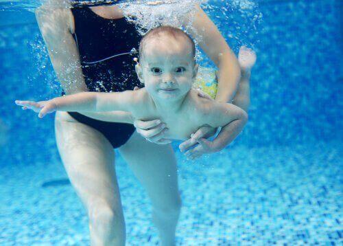 Peuter onder Water