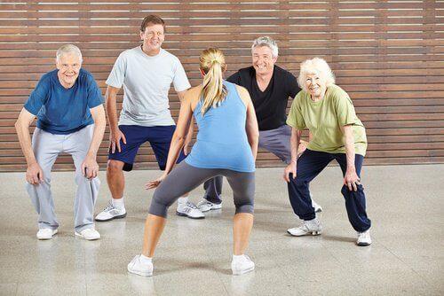 Oudere Mensen die Sporten