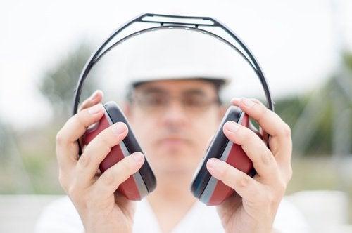 Koptelefoon kan tinnitus veroorzaken