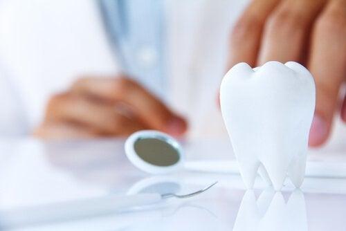 Ziekte opsporen via je mond aan de hand van losse tanden