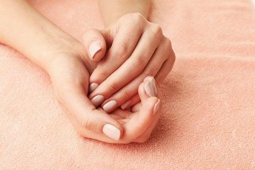 Gebruik baking soda als moisturizer voor je handen