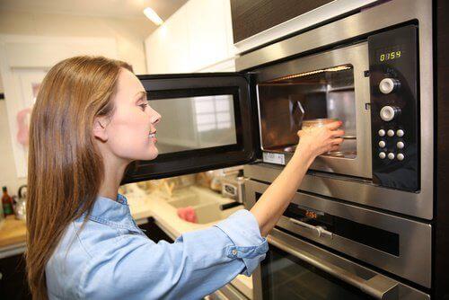 Verwarm deze 7 voedingsmiddelen nooit opnieuw op