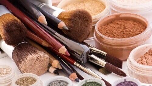 Tien schoonheidsproducten die je niet moet delen