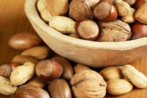 Eet noten voor gezond haar