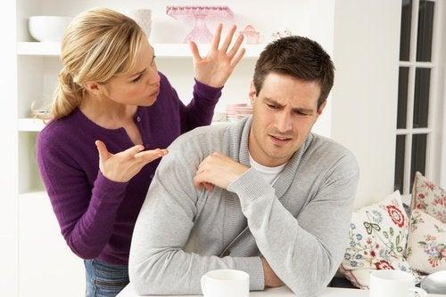 In een ongelukkige relatie verwacht je dat je partner verandert