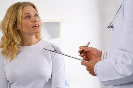 Vrouw bij Dokter