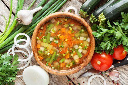 Waarom is gezonde soep behulpzaam voor het lichaam