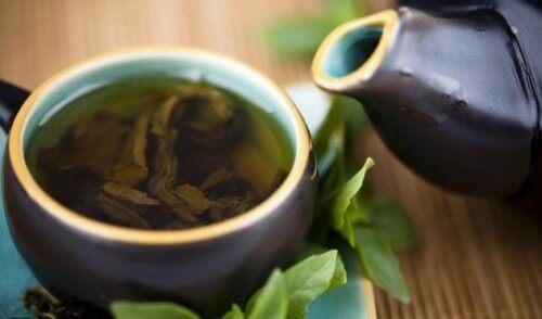 Krachtige reiniging met groene thee, citroen en stevia