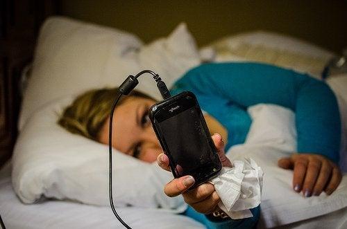 Mobiele telefoon is slecht voor de nachtrust