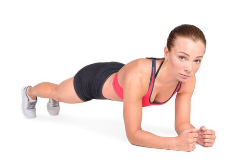 De plank kan helpen om je buikvet te verminderen