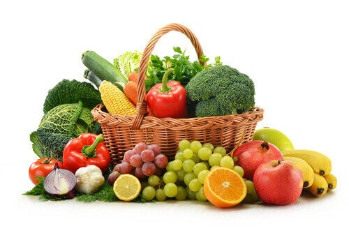 Eet veel rauwe vruchten en groenten om tandbederf te voorkomen