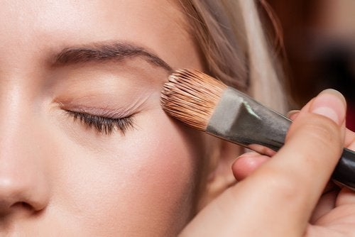 hangende oogleden make up tips