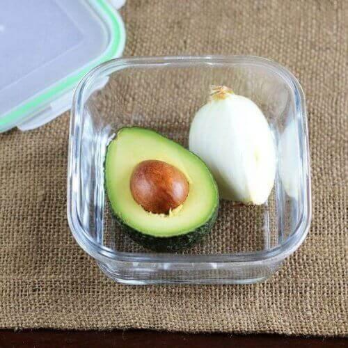 Een avocado vers houden