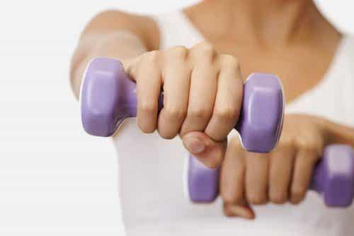 Vijf oefeningen voor mooiere borsten