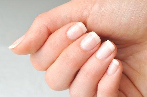 Castorolie versterkt je nagels