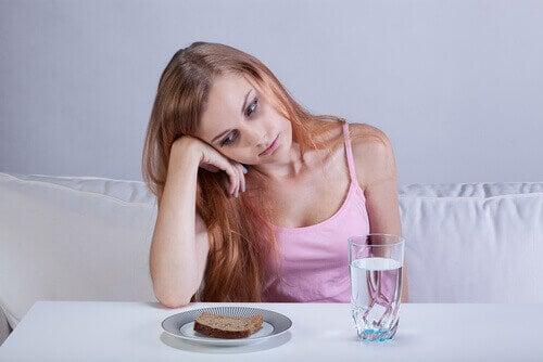 Verminderde eetlust kan een symptoom van blindedarmontsteking zijn