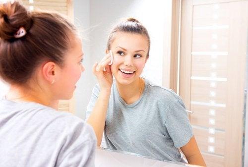 Vaseline om Make-Up te Verwijderen