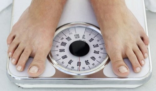 Gewichtstoename als je laat opblijft