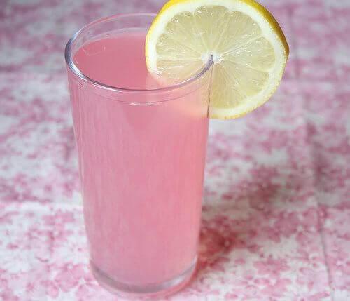 Alkalisch water met citroen