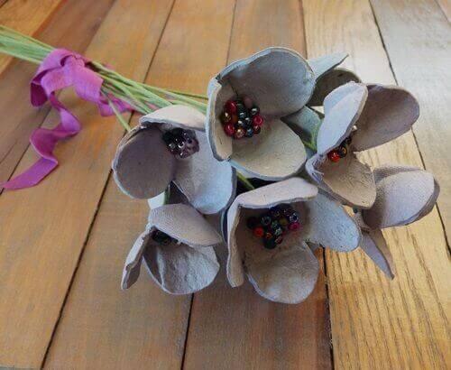 Bloemen van Eierdoos