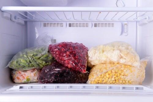 9 voedingsmiddelen die je niet in de vriezer mag bewaren