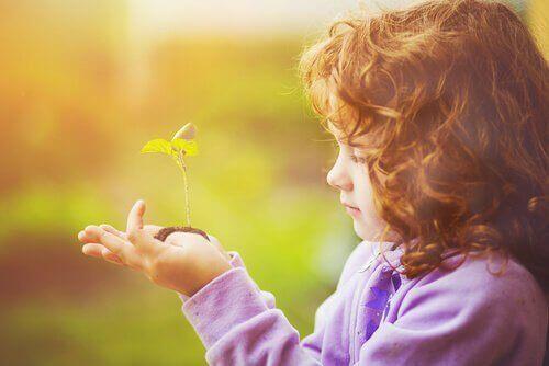 Kind met Plantje