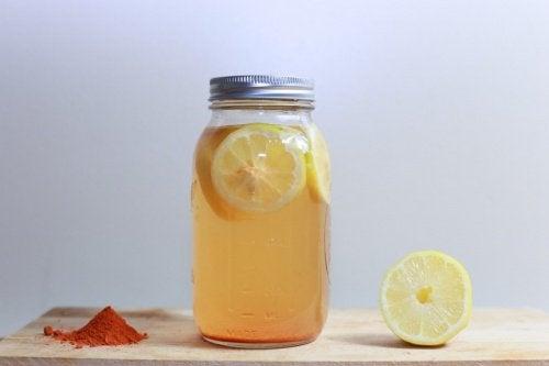 Gewichtsverlies door kurkuma en citroen