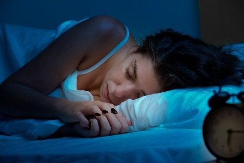 Negen natuurlijke middeltjes voor een goede nachtrust