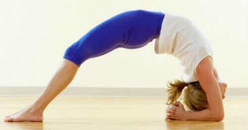 Vijf yogahoudingen om angst en stress te verminderen
