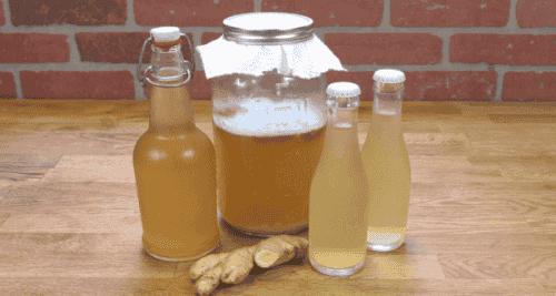 Gemberwater tegen migraine, maagklachten en pijn