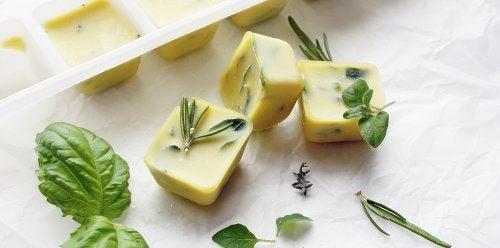 Ingevroren kruiden in olijfolie