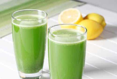 Hulpmiddel van citroen en peterselie tegen vochtophoping
