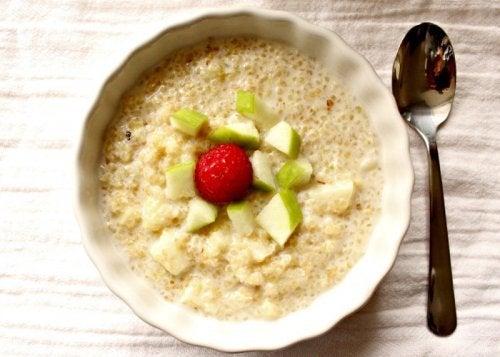Ontbijt met Quinoa, Appel en Kaneel