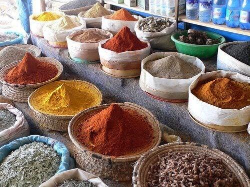 Specerijen kunnen een onaangename lichaamsgeur veroorzaken