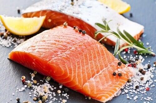 Zalm is een van de voedingsmiddelen die stress verminderen