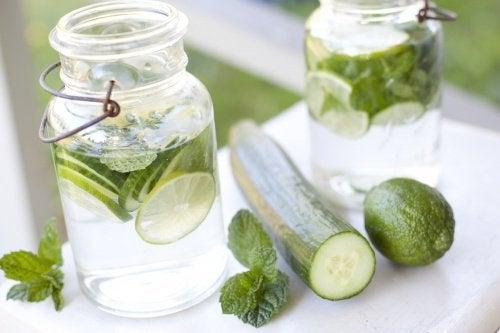 Water met Komkommer