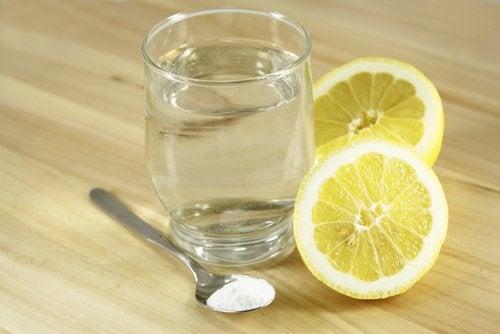Water, Citroen en Zout