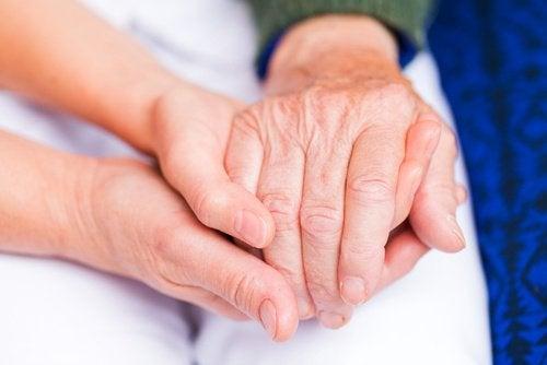 Een van de andere oorzaken van gewrichtspijn is artritis