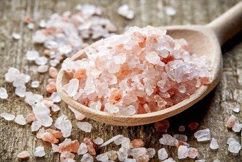 Stop migraine met roze Himalayazout