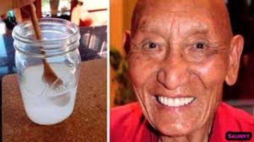 Waarom Tibetaanse monniken sterke witte tanden hebben