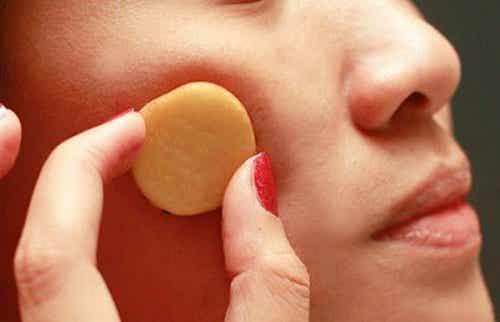 5 geweldige voordelen van rauwe aardappel op je huid