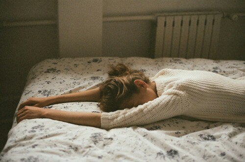 Op Bed Liggen Huilen